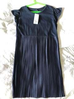Uniqlo - Navy pleated dress