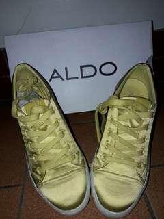 🚚 亮面黃 布鞋