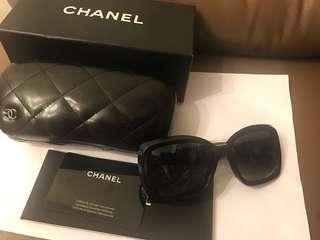 Chanel 全黑色太陽眼鏡