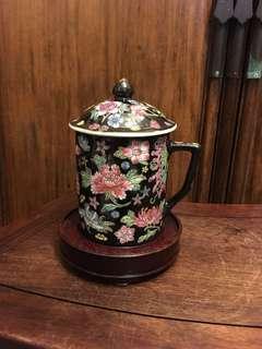 80S 景德鎮製黑地萬花茶杯