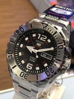 SEIKO SPORTS 5 Automatic SRPB33K1 (機械自動錶)