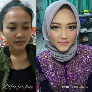 Jasa makeup wisuda