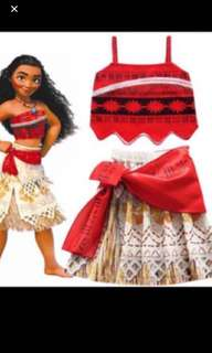 Instock moana dress set brand new size for 3-8yrs old (100-140cm) .. necklace avail for sales at $19.90 w Lights and songs .. take set will be $42.90