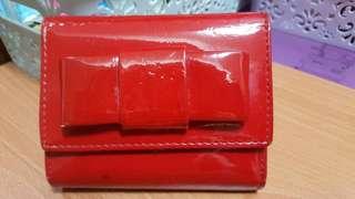 🚚 紅漆皮短夾