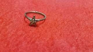 星形鑽石戒指