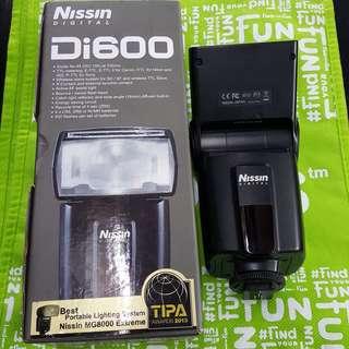 Nissin di600 ETTL external flash for Canon DSLR