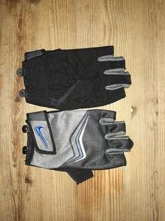 NIKE Sport Gloves