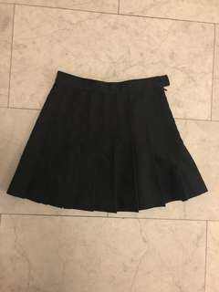 American Apparel black schoolgirl skirt