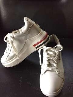 sepatu sport casual (36cm)
