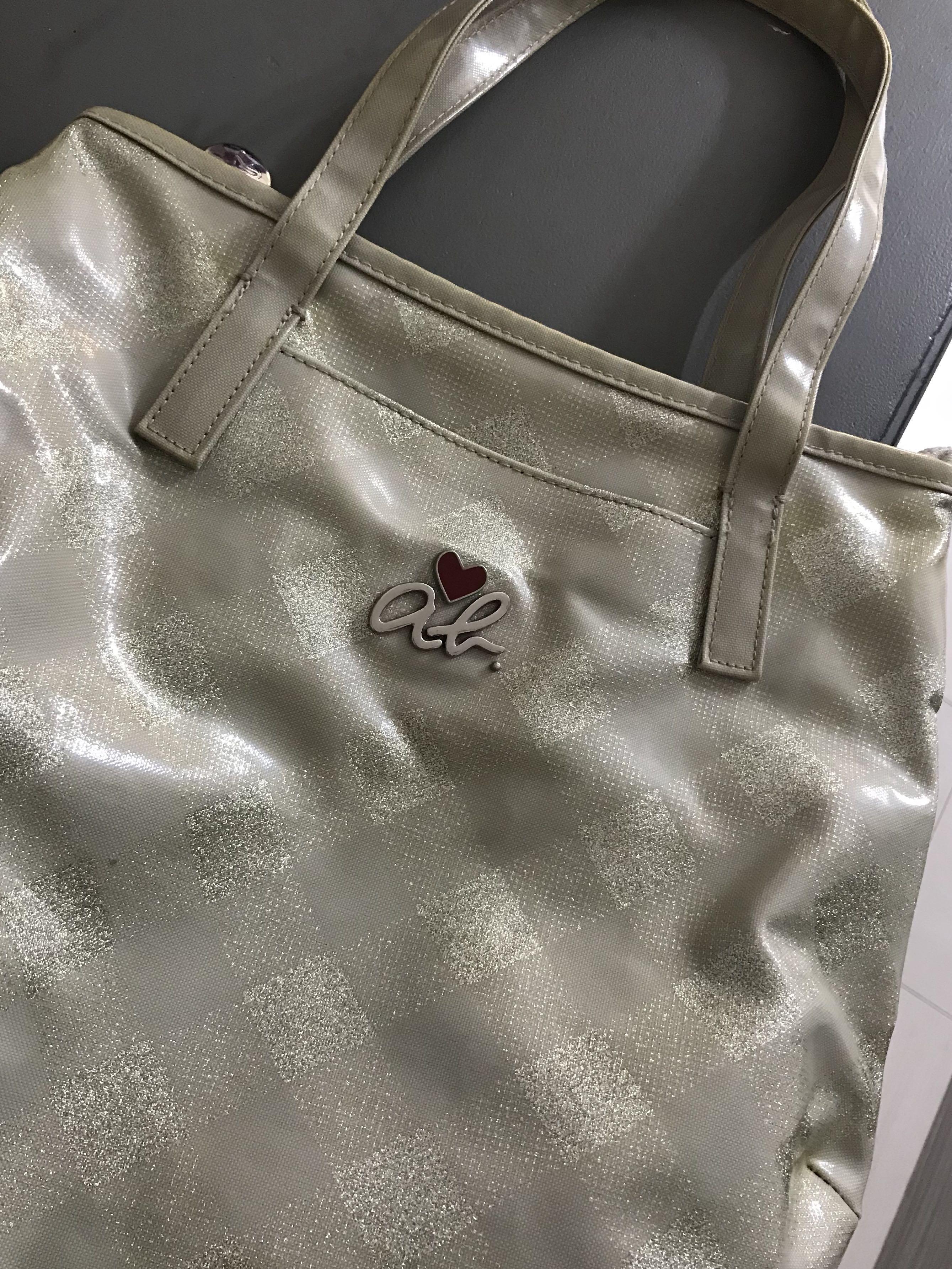 Agnes B hand carry bag