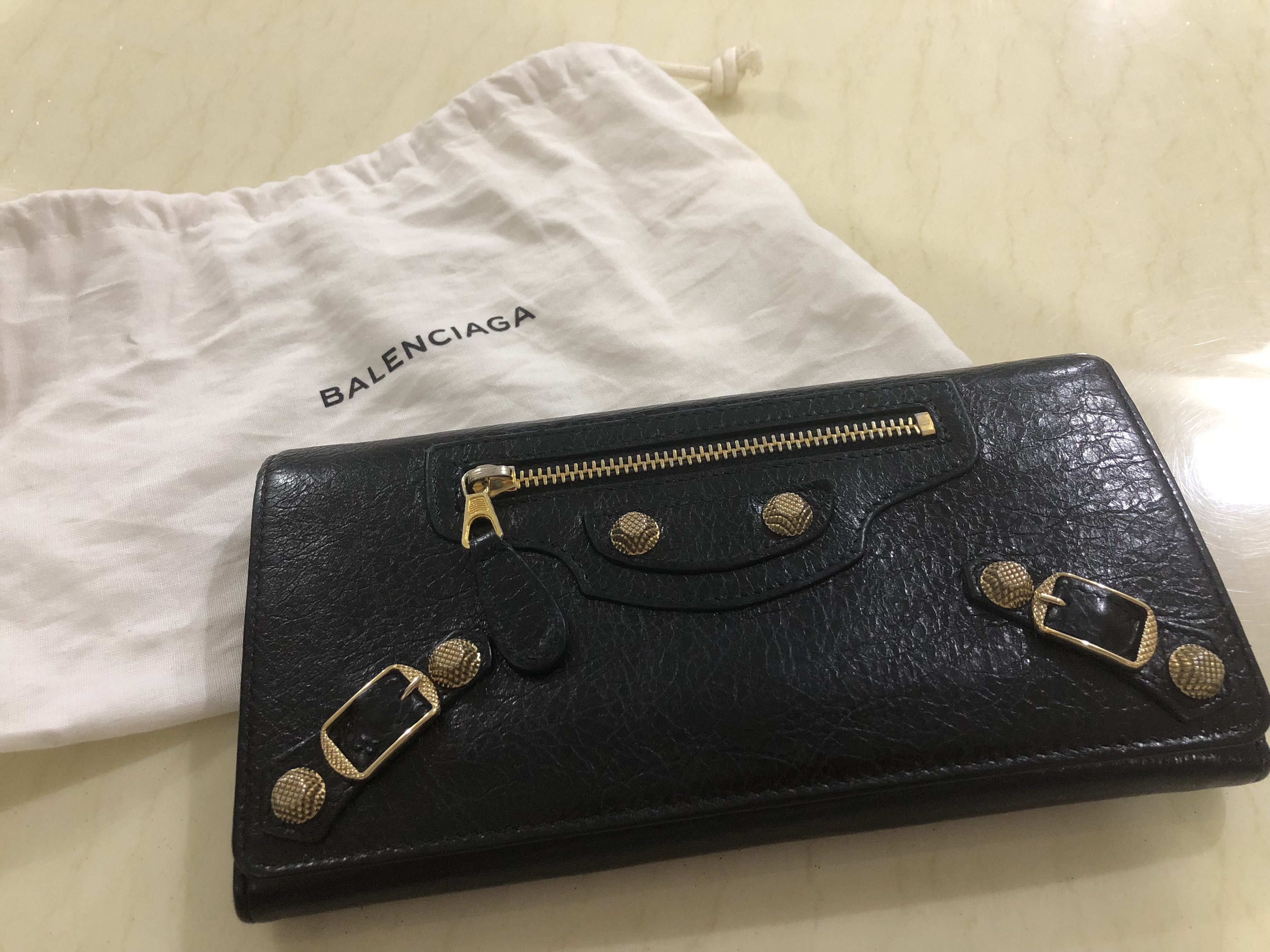 a0e31e9c75b Authentic Balenciaga Classic Gold Money Wallet, Women's Fashion, Bags &  Wallets on Carousell