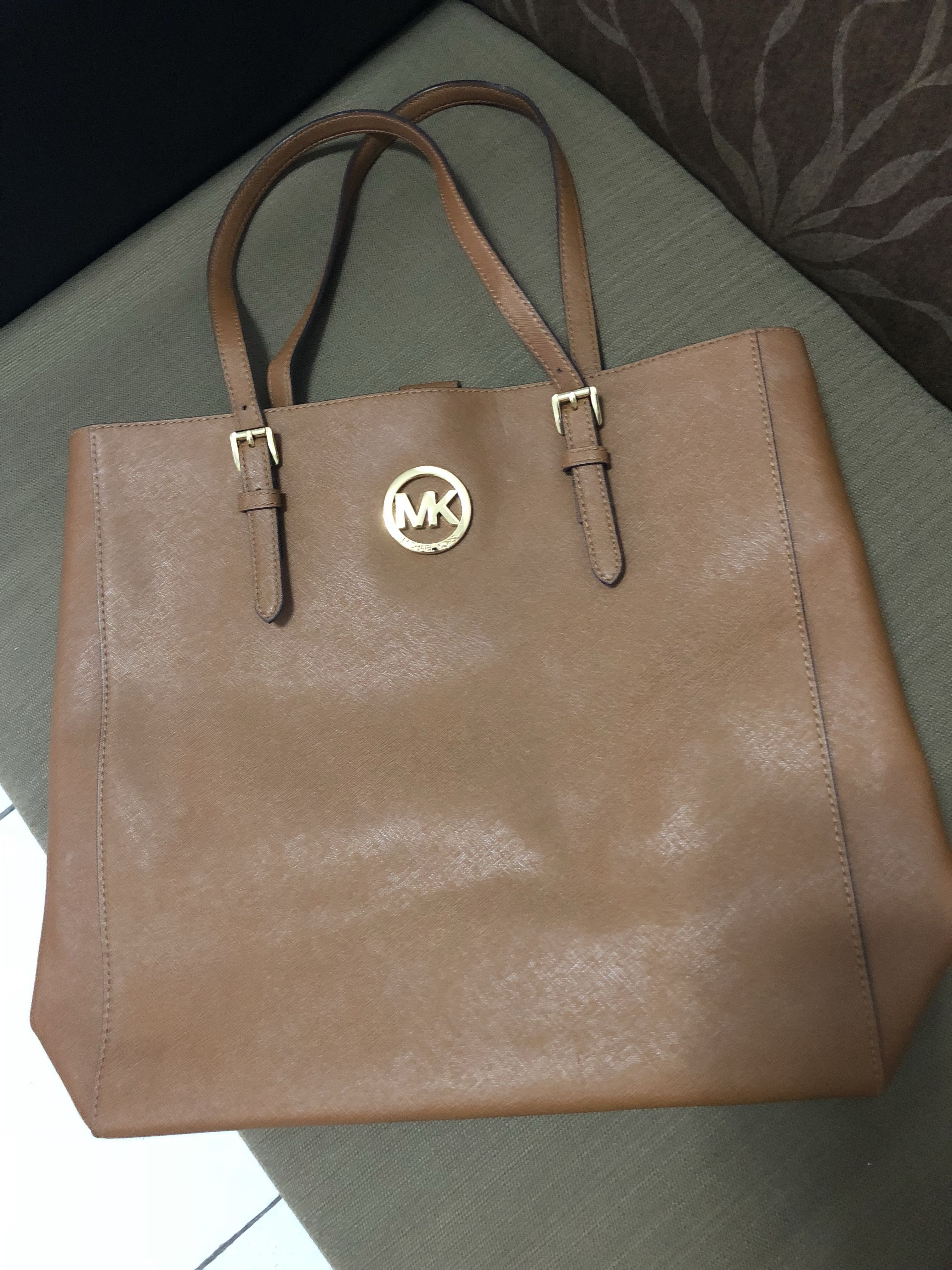5a7aaa1dfb5b0d Authentic Pre Loved Michael Kors Bag, Luxury, Bags & Wallets on ...