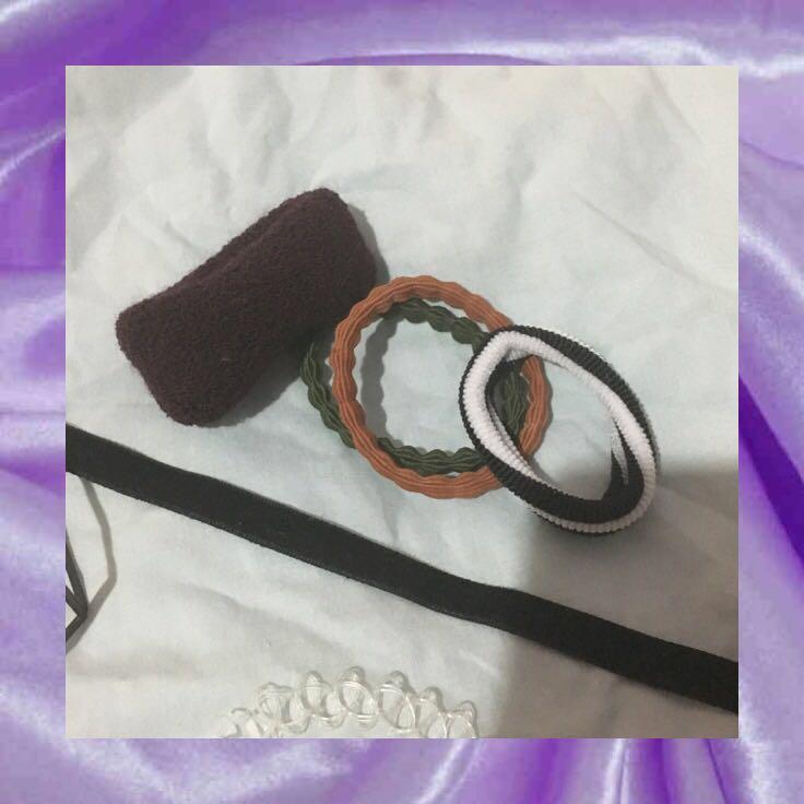 bulk accessories (chokers, hairties, etc)