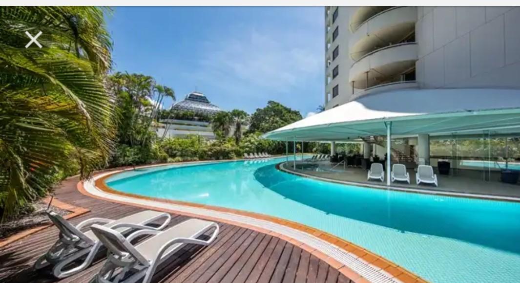 Hilton Cairns 40% off