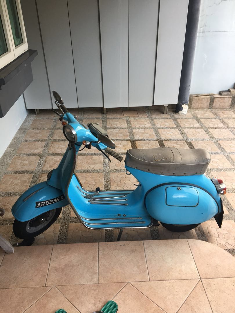 Vintage Vespa sprint (original engine)