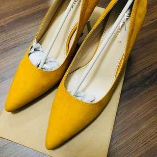 ✨熱賣款出清✨ 全新麂皮尖頭高跟鞋 (紅 薑黃兩色各一)