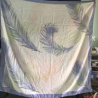 Scarf persegi feather