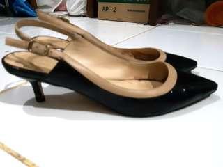 Sepatu Charles and Keith Original size 35