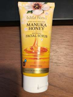 Wild ferns manuka honey refining facial scrub 100ml