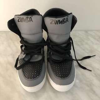 Sepati zumba hitam abu