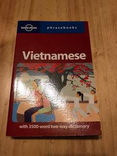 Lonely planet phrasebook Vietnamese