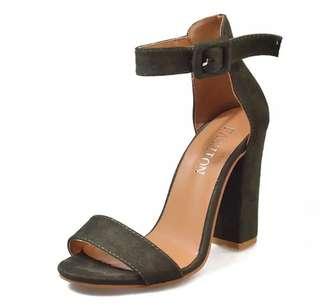 🚚 大尺碼歐美時尚百搭一字帶魚口粗跟涼鞋