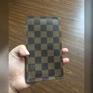 Preloved Lv Passport wallet Demier Ebene