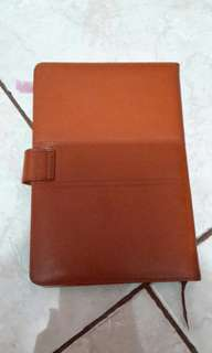 Sampul kulit coklat