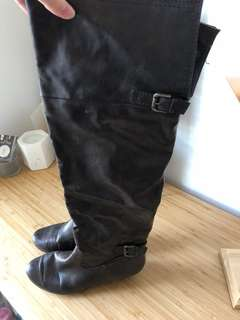 Long Flat Boots Brown. Over Knee.