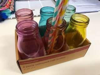 6x coloured milk bottles & straws. Brand new!