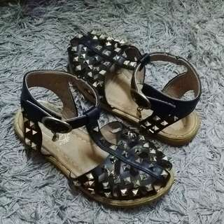 STUDED SHOES ( KASUT )