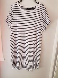 JayJays Sz L T-shirt Dress