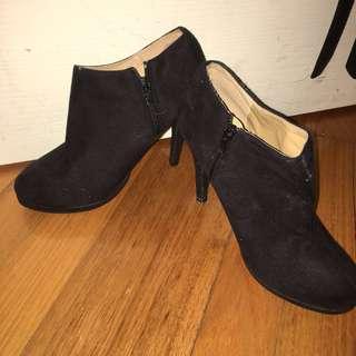 Black Boot Heels Size 37