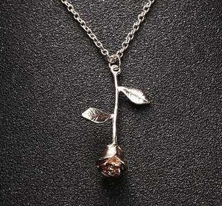 Infinity Rose Stem Necklace -3 stocks left!