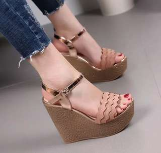 Sandal Wedges RM01