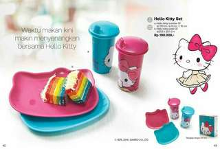 Tupperware Hello Kitty Set with box