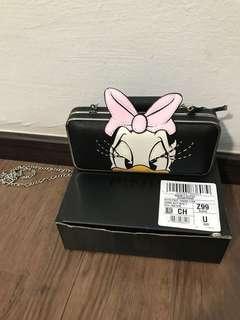 Pinko Disney Daisy Duck clutch chain sling bag