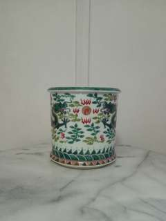 Vintage Porcelain Brush Pot Height 18cm Diameter 21cm perfect condition