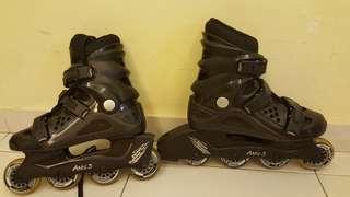 roller skates (ladies size 8)