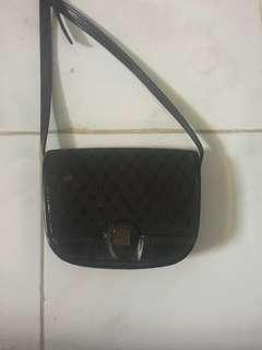 Sling bag hitam (tas selempang) mini