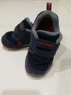 Preloved New Balance boy shoes