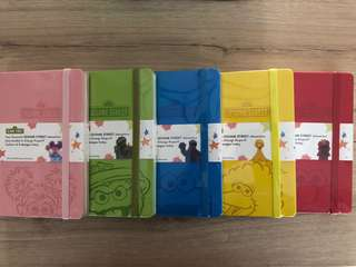 Sesame Street Dot Grid Notebook Set