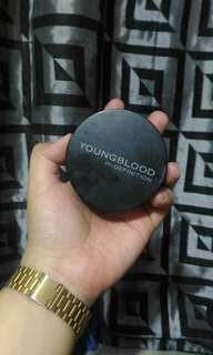REPRICED AUTHENTIC Young Blood HD Setting Powder