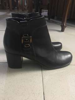 a39d4d1d6124 Preloved Ankle boots from Liz Claiborne
