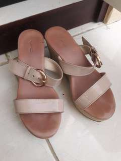 VNC NUDE WEDGES