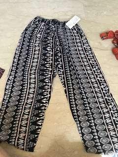 BN Bangkok loose pants