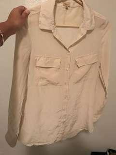 Silk aritzia blouse size xs