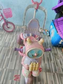 sepeda anak, kondisi ok untuk jalan, tapi alat bantu dorong tidak bisa