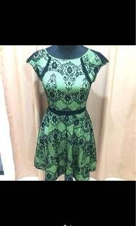 BLACK LACED GREEN DRESS
