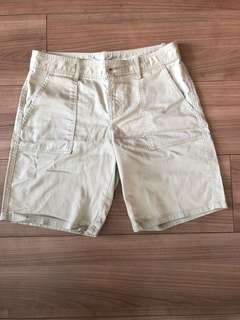 Patch pocket cargo shorts